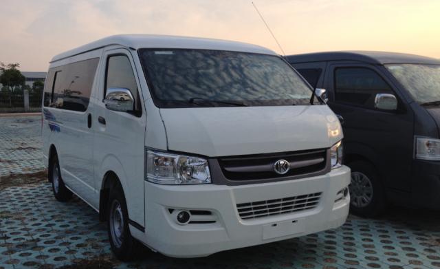 17 seater minibuses
