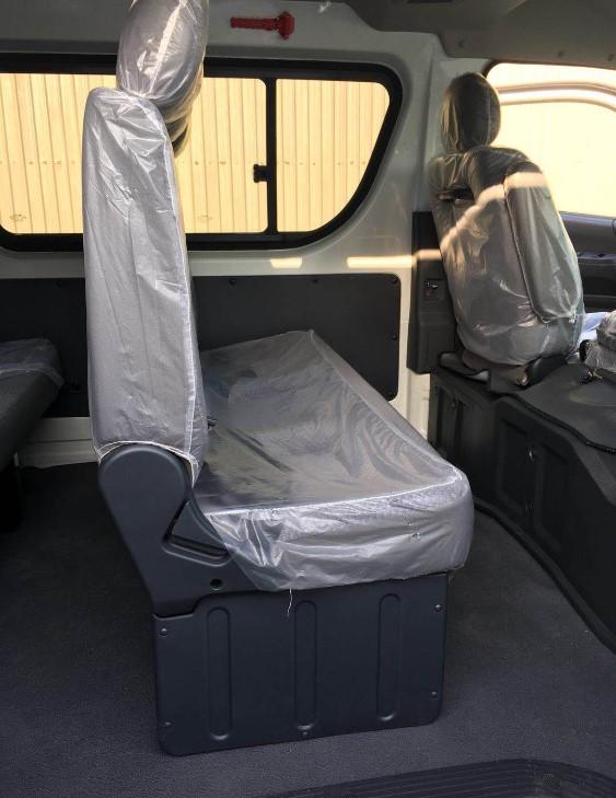 15 seat minibus